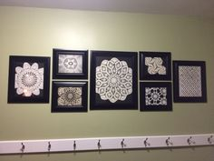 Terrific Photos Crochet Doilies display Thoughts Although lots of the doilies that you see in stores today are produced from paper or machine lace, y Framed Doilies, Crochet Basket Tutorial, Crochet Wall Art, Doily Art, Doilies Crafts, Crochet Dollies, Wall Decor, Room Decor, Home Decor Items