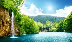 Cascada, mar, lago, bosque profundo, árboles, cielo, nubes, paisaje, naturaleza, sol hermoso, wallpaper