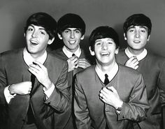 The Beatles were an English rock band that formed in Liverpool, in With John Lennon, Paul McCartney, George Harrison and Ringo Starr, they became widely regarded as the greatest and most influential act of the rock era. Beatles Songs, Les Beatles, Beatles Quotes, Beatles Party, Ringo Starr, George Harrison, Paul Mccartney, Julian Lennon, Yoko Ono