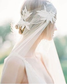 Luminous and ethereal boho bridal shoot with veil. Luminous and ethereal boho bridal shoot with veil. Wedding Looks, Bridal Looks, Bridal Style, Sage Wedding, Greek Wedding, Wedding List, Spring Wedding, Boho Vintage, Vintage Bridal