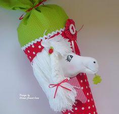 **Schultüte Pony Paula** ♥ Tütenkorpus ca.70cm + ca.30cm Stoffverschluss ♥ Stoff & Papprohling sind verklebt/ **KEIN KISSEN** ♥ 6 Buchstaben sind im Preis enthalten, jeder weitere Buchstabe...