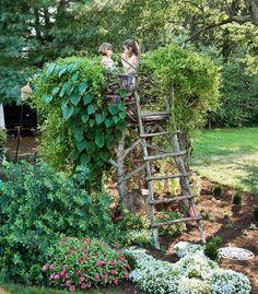 Hochsitz und Versteck für Kinder im Garten