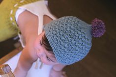 Pompom baby bonnet // knitted pompom hat baby // by dreamiknit