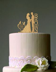 Pregnant wedding cake topper - Bride and Groom Silhouette Cake Topper - Custom Cake Topper - Unique Cake Topper - Rustic Cake Topper by on Etsy Unique Cake Toppers, Rustic Wedding Cake Toppers, Maternity Wedding, Pregnant Wedding Dress, Wedding Boxes, Wedding Ideas, Blueberry Wedding, Bible Cake, Bride And Groom Silhouette