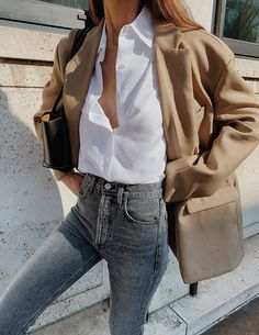 The Frankie Shop Taupe Oversized Boyfriend Blazer , Sophie H White Shirt , Citizens of Humanity Charlotte High Rise Straight Jeans in Greyscale , By Far Britney Loafers , Bottega Veneta The Arco 33 bag Mode Outfits, Casual Outfits, Fashion Outfits, Travel Outfits, Fashion Tips, Fashion Mode, Look Fashion, Fashion Fall, Curvy Fashion