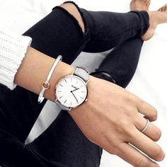 Combine rose gold with silver for a unique and beautiful result #cluse #minimal #watch #style #fashion #instalike #laboheme #white #grey #rosegold