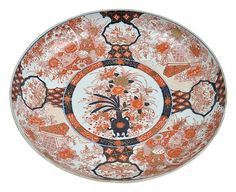 A JAPANESE IMARI CHARGER MEIJI / TAISHO PERIOD, CIRCA 1912  23cm diameter