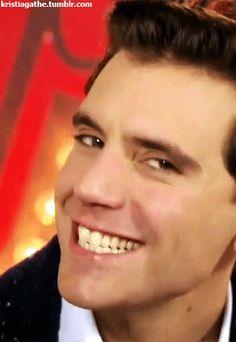 ANIMATED GIF Mika eyebrows