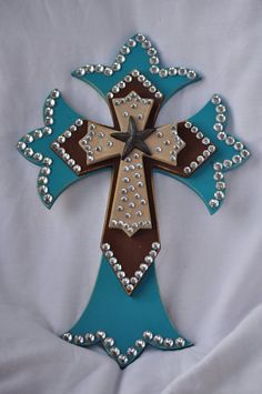 Image detail for -Western Style Layered Wooden Cross Turquoise by RaeOfFaith Cross Wall Decor, Crosses Decor, Wall Crosses, Painted Crosses, Diy Projects To Try, Crafts To Make, Craft Projects, Diy Crafts, Wood Projects
