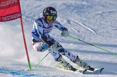 Austria's Stephanie Brunner competes during the FIS Alpine World Cup Women Giant Slalom on December 10, 2016 in Sestriere, Italian Alps.  / AFP / GIUSEPPE CACACE