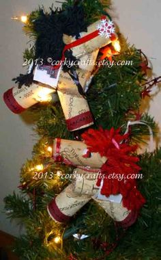 Texas Tech theme wine cork horse ornament by Corkycrafts on Etsy, $4.00