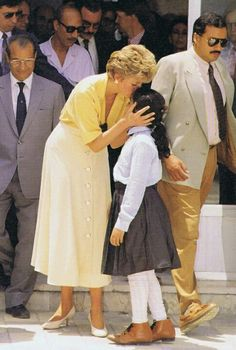 Diana showing her love of ALL children in India