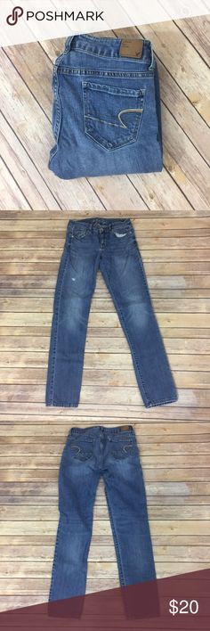 """✨American Eagle Skinny Jeans✨ Skinny stretch! Great condition. Slightly distressed. 99% cotton 1% spandex 29"""" waist, 31"""" length,  8"""" front rise, 12.5 back rise.   💕Need any other information? Measurements? Materials? Feel free to ask! 💕Unfortunately, I am unable to model items!  💕Don't be shy, I always welcome reasonable offers! 💕Fast shipping! Same or next day! 💕Sorry, no trades!  Happy Poshing!☺️ American Eagle Outfitters Jeans Skinny"""