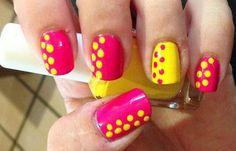 Diseños de uñas con puntos o lunares, diseño uñas con puntos laterales.   #uñasbonitas #nails #uñasfinas