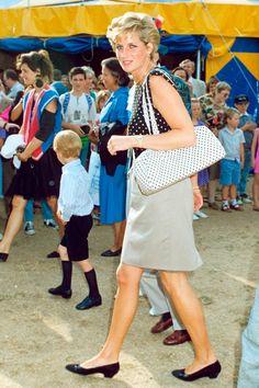 Diana de Gales revive en 60 imágenes