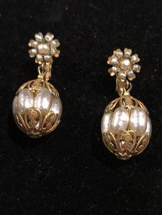 Vintage Mariam Haskell Baroque Pearl Dangle Earrings #MiriamHaskell #DropDangle