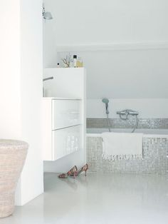 1000+ images about Badkamers on Pinterest  Met, Bathroom and Shampoos