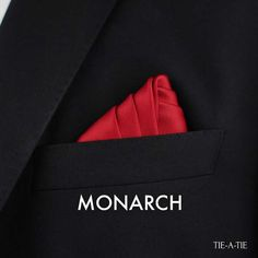 Learn the Monarch pocket square fold instructions. 50 new ways to wear your pocket squares. Pocket Square Folds, Pocket Square Guide, Pocket Square Styles, Pocket Squares, Pliage Pochette Costume, Tie Styles, Mens Style Guide, Gentleman Style, Mens Fashion