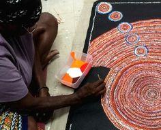Intro facts about Aboriginal Art Aboriginal Art Symbols, Aboriginal Painting, Aboriginal Culture, Aboriginal Artists, Aboriginal People, Dot Painting, Encaustic Painting, Kunst Der Aborigines, Postmodern Art