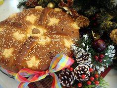 Μενού Χριστουγέννων και Πρωτοχρονιάς συνταγές :Χριστόψωμο αλλιώς Birthday Candles, Food And Drink, Christmas Recipes, Board, Planks