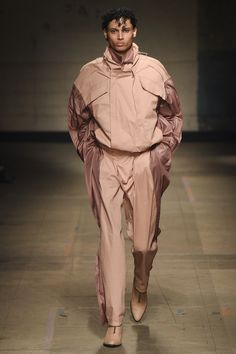 MAN Fall 2017 Menswear Collection Photos - Vogue
