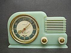 1940s green Bakelite clock, Art Deco style, with radio.