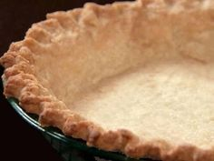 Easy Pie Crust: This fool-proof, easy pie crust recipe ensures a perfect, flaky crust every time. The trick is in the vodka! Being only most of the vodka evaporates in the baking process, meaning the crust dough gets the liquid it need to be formed, bu. Vodka Pie Crust, Low Carb Pie Crust, Easy Pie Crust, Pie Crust Recipes, Pie Crusts, Best Pie Crust Recipe, Dough Recipe, Cheese Recipes, Pie Dessert