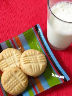 I'm on a mission to recreate an old Grandma D. classic. When she died nearly two years ago, most of her recipes died with her, including a Scandinavian butter cookie that I grew up eating each year...