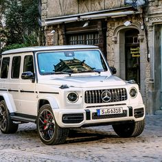 "Mercedes-Benz - ""There Is Much More To Read! When G-Class combines with AMG, the results are awe-inspiring Mercedes G Wagon, Mercedes Benz G Class, Mercedes Benz Models, Mercedes Benz Cars, Bugatti, Lamborghini, Ferrari, Porsche, Luxury Suv"