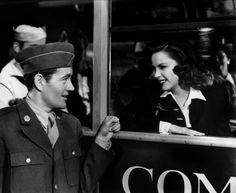 Robert Walker & Judy Garland - THE CLOCK