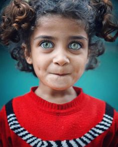 Beautiful Eyes Color, Stunning Eyes, Pretty Eyes, Cool Eyes, Amazing Eyes, Beautiful Children, Beautiful Family, Attractive Eyes, Baby Eyes