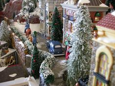 Feel the hustle and bustle of the city at Christmas time! Christmas In The City, Christmas 2016, Christmas Lights, Christmas Time, Christmas Crafts, Christmas Decorations, Xmas, Christmas Ornaments, Lemax Christmas Village