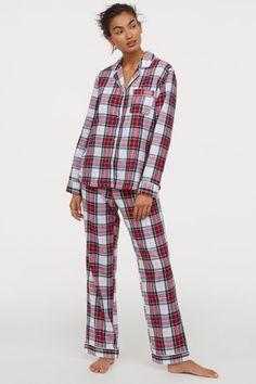 Pajamas in soft cotton flannel with glittery threads. Pants with elasticized waistba Cozy Pajamas, Flannel Pajamas, Pajamas For Teens, Pajamas Women, Satin Pyjama Set, Pajama Set, Womens Fashion Online, Latest Fashion For Women, Tartan Pants
