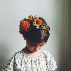 Little Style / Kids Wear / Kids Style / Little Girl / Headpiece / Floral / Pierrot La Lune : Kirsten Rickert Fashion Kids, Little Fashion, Girl Fashion, Little Ones, Little Girls, Bebe Love, Kid Styles, Flower Crown, Flower Hair