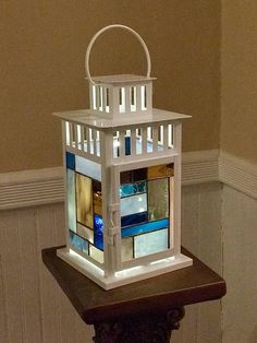 Stained glass lantern, Stained glass mosaic lantern, White l… – Arts and Crafts Stained Glass Lamp Shades, Stained Glass Rose, Stained Glass Designs, Stained Glass Projects, Fused Glass Art, Glass Wall Art, Stained Glass Windows, Mosaic Glass, Window Glass
