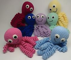 Over 1500 Amigurumi ideas and models. Learn from scratch step by step! Crochet Fish, Crochet Octopus, Cute Crochet, Crochet For Kids, Crochet Baby, Baby Patterns, Crochet Patterns, Octopus Colors, Bunny Blanket