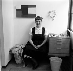 Ray Eames, 1950. Photograph by Peter Stackpole.