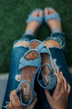 36f0f01958 Schöne Schuhe für den Sommer bekommt ihr jetzt im Sale von TOMS! Ob  Espadrilles,