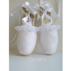 Alpargatas decoradas para comuniones, bodas y diferentes eventos Bridal Shoes, Wedding Shoes, Ballet Shoes, Dance Shoes, First Communion Dresses, Fashion Shoes, Espadrilles, Footwear, Shoe Bag
