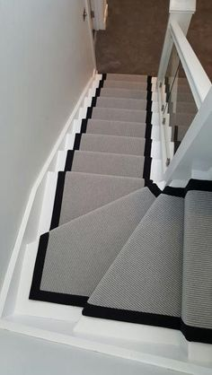 Modern Stair Runner New Runners Best Carpet Ideas On Inside 13 Within Prepare 11 Stairs Design Modern carpet Ideas Modern Prepare runner Runners Stair Carpet Staircase, Staircase Runner, Stair Runners, Carpet Runner On Stairs, Hallway Carpet, Hallway Flooring, Carpet Treads For Stairs, Marble Staircase, Quartos