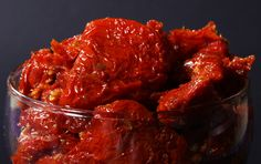 <p>Acabou a loucura e a canseira de fazer tomates secos! TOMATE SECO Ingredientes: • 200 gramas de tomates desidratados (compram-se em casa de produtos naturais lembra muito uma ameixa seca, só que da cor de tomates) •1 colher de sopa…</p>