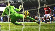 Wayne Rooney scores past Adam Federici