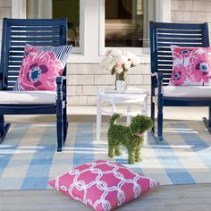 Selena Outdoor Pillow Collection Gorgeous Pink And Deep Indigo Persian Ercups Are The Stars
