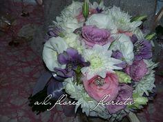Bouquet de margaridas, rosas, liziantos e alstromerias
