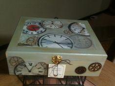 Caja para guardar relojes Elaborada por Adri.