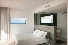 Bagno In Camera Con Vetro : Camera matrimoniale con bagno e doccia con pareti in vetro bild