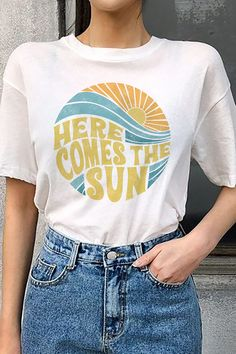 Here comes the sun vintage inspired beach graphic t-shirt #graphictee #vintage #beachshirt #tshirt Umgestaltete Shirts, Graphic Shirts, Beach T Shirts, Cute Tshirts, Cute Summer Shirts, 80s Tshirts, Graphic Tee Outfits, Spring T Shirts, Cute Graphic Tees