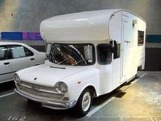 This looks to be an old Austin 1800..... from iMotorhome