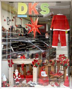 Vitrine de Noël 2019 DKS Grenoble spécialiste chaussures bébé et enfant dégriffées Grenoble, Kids, Christmas Store, Bebe, Young Children, Boys, Children, Boy Babies, Child