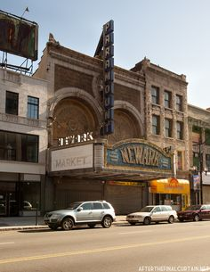 outside-paramount-theatre-newark-new jersey-untapped cities
